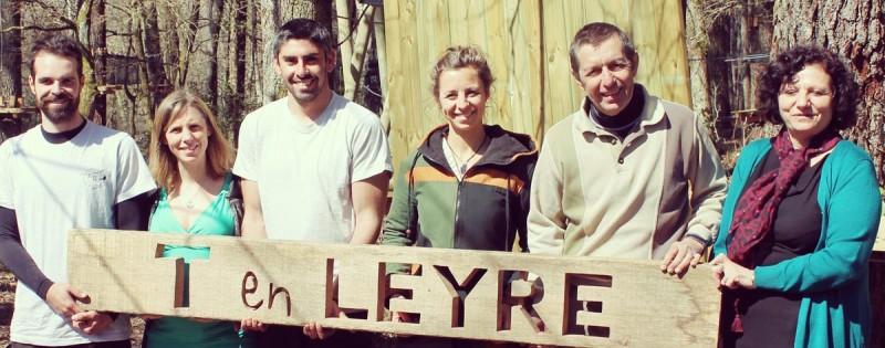 Photo de l'équipe familiale du parc acrobatique T en Leyre